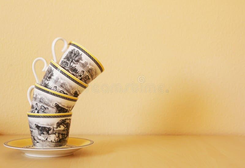 Pile de tasses de café image stock