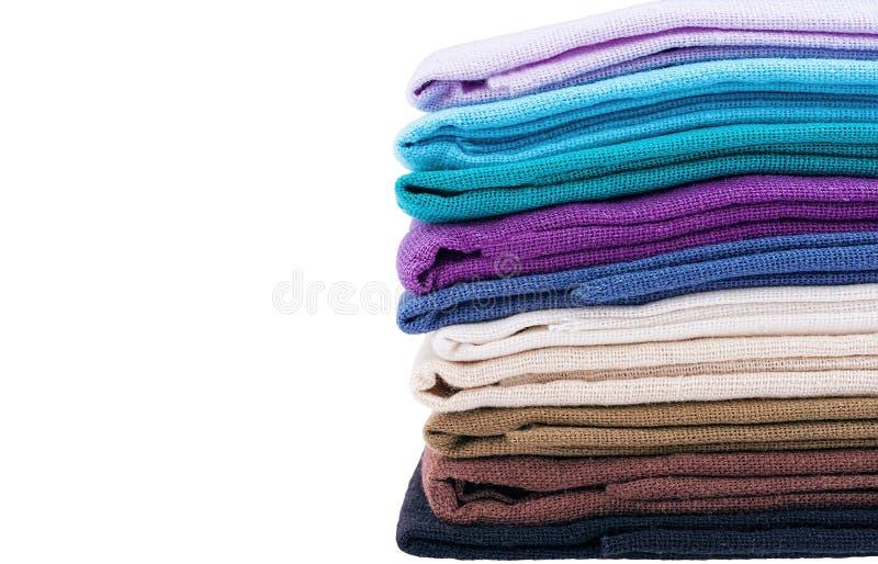 Pile de tissu de toile multicolore images libres de droits