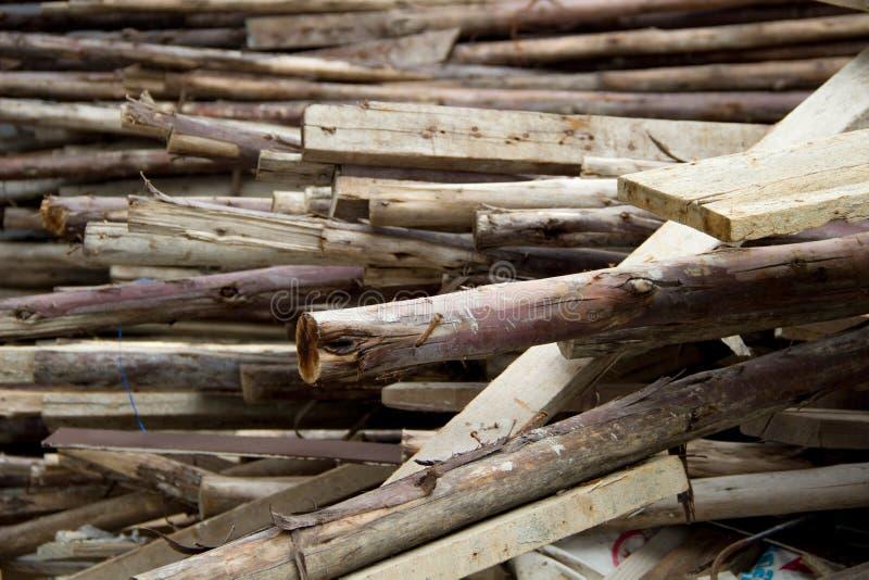 Pile de vieux bois utilisé photo libre de droits
