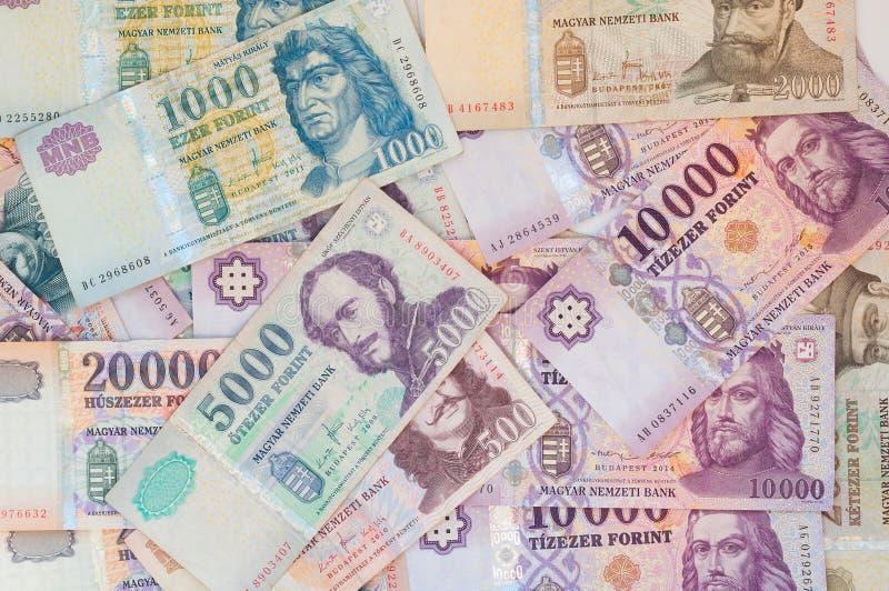 Pile des billets de banque hongrois de forint - fond image stock