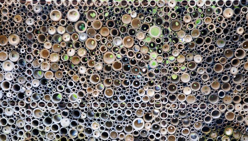 Pile des cannes en bambou empilées  images stock