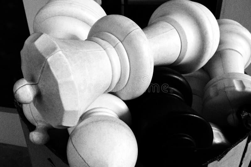 Pile des chessmen tombés photo libre de droits