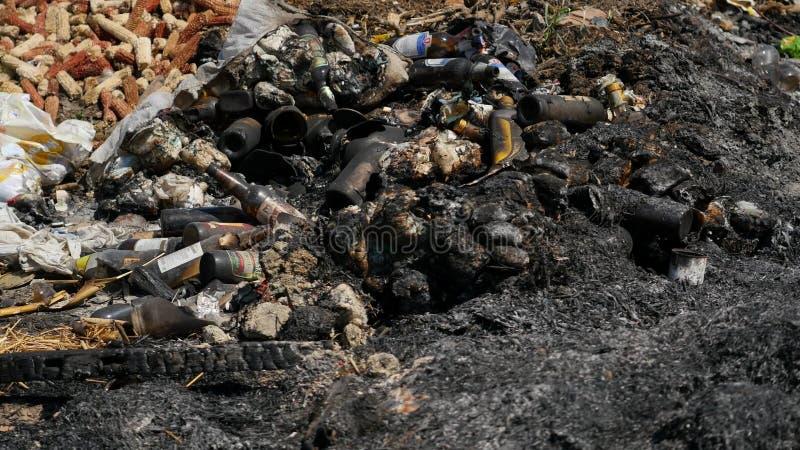 Pile des déchets en plein air photo stock