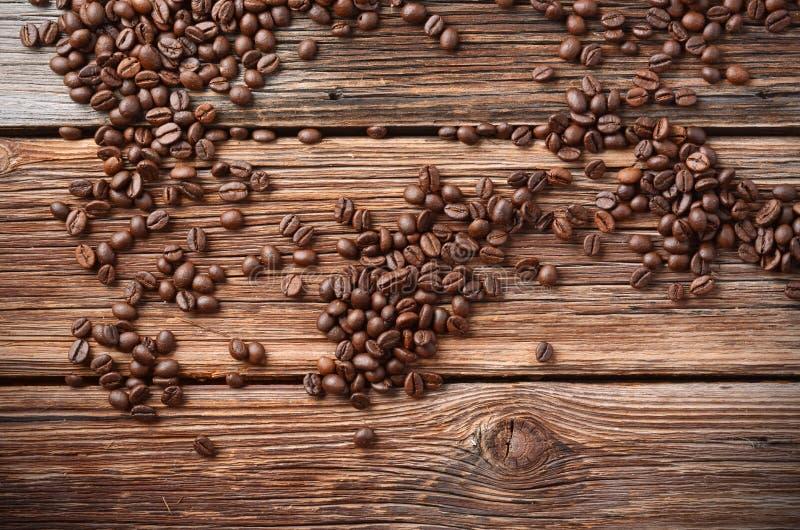Pile des grains de café images libres de droits