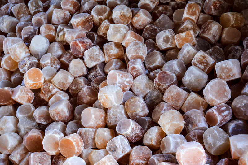 Pile des lampes de sel gemme photos stock