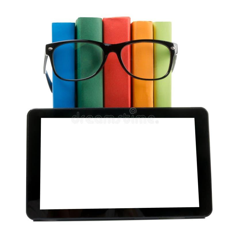 Pile des livres colorés et du lecteur électronique de livre Concept électronique de bibliothèque De nouveau à l'école Copiez l'es photographie stock