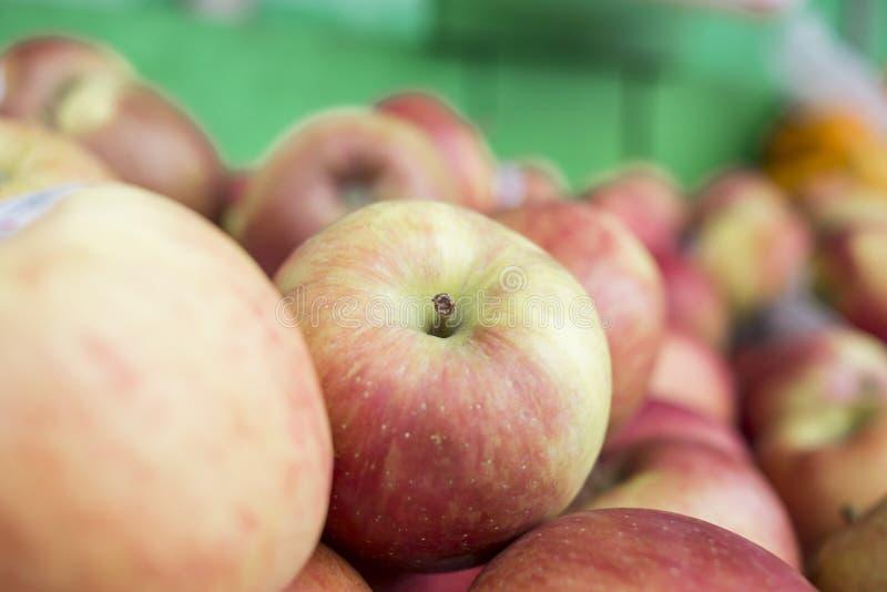 Pile des pommes images libres de droits