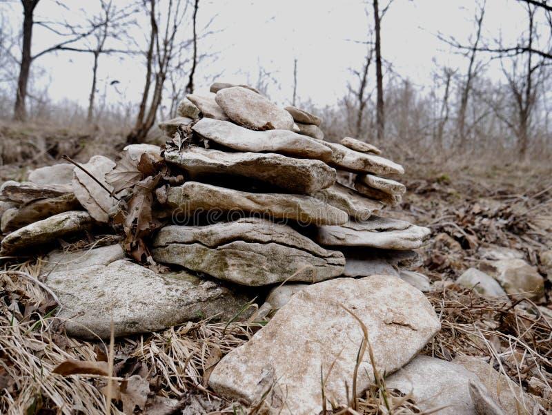 Pile des roches empilées lisses photo stock