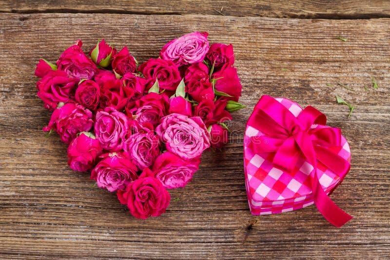Pile des roses mauve image stock