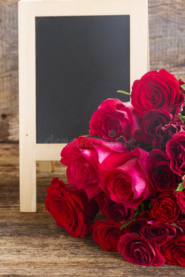 Pile des roses rouges photographie stock