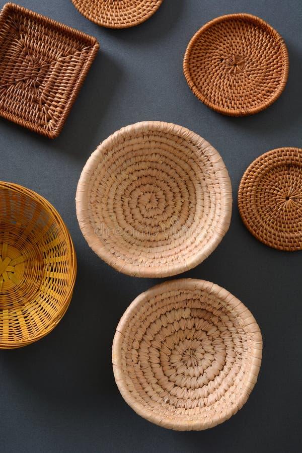 Pile des ustensiles en bois de cuisine photos stock