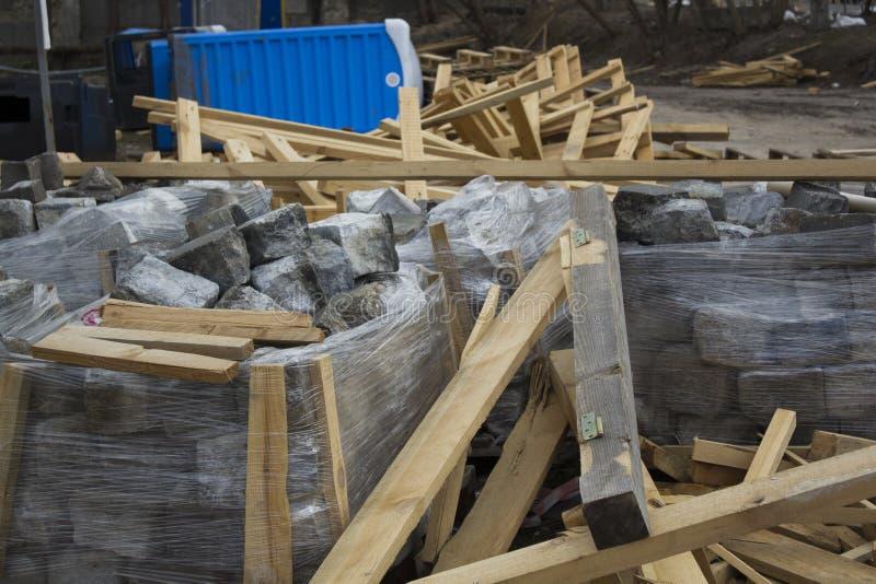 Pile di lastra per pavimentazione, materiali da costruzione per la ricostruzione della pavimentazione immagine stock