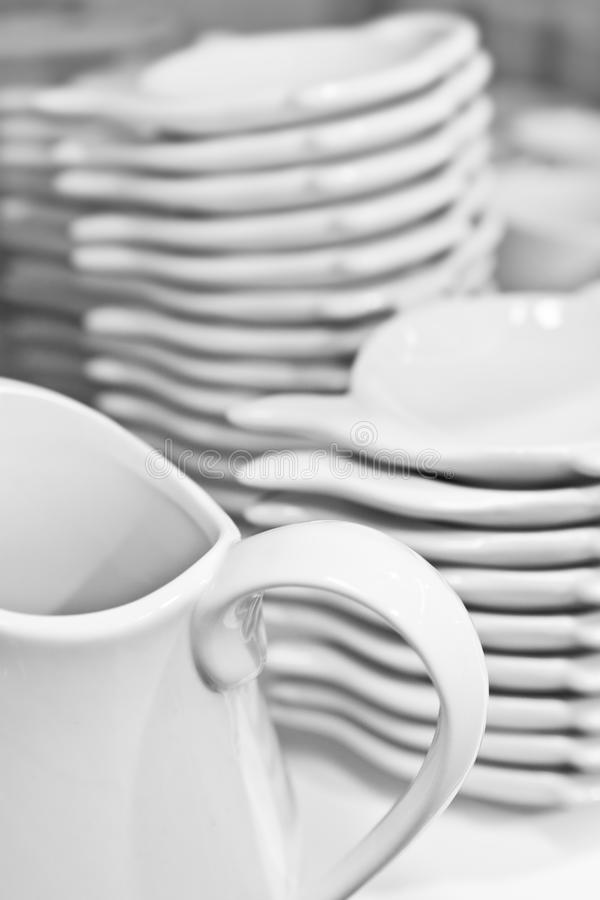 Free Pile Of Clean Plates Stock Photography - 16483402