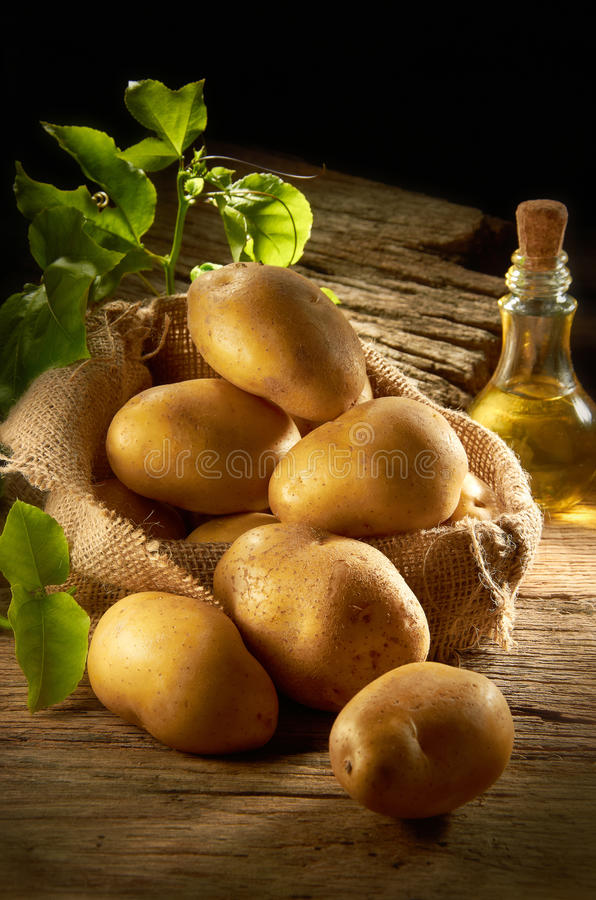 Download Pile of Potato stock photo. Image of earthy, vegetables - 21963988