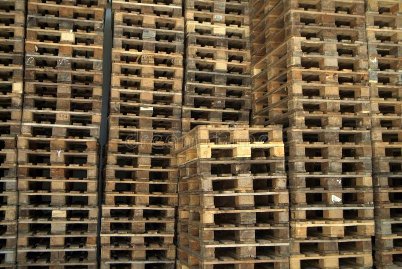 Piles de bois de palette photographie stock