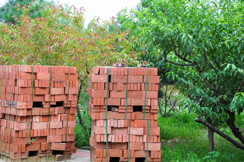 Piles de briques photos libres de droits