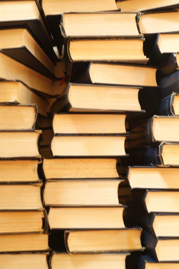 Piles de vieux livres photo stock