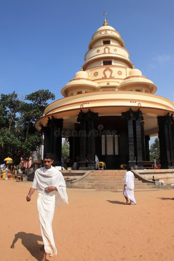 Pilger besuchen das Grab von Sree Narayana Guru lizenzfreie stockbilder