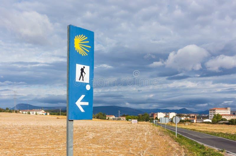 Pilgerzeichen entlang der Weise Camino Des Santiago von St James, Spanien stockfotografie