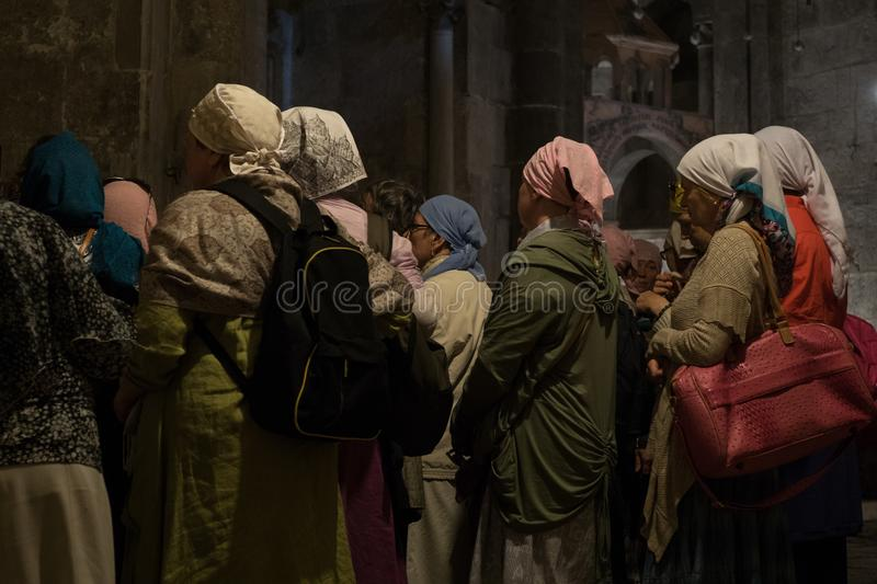 Pilgrims at the Church of the Holy Sepulchre stock photography