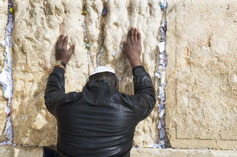 Pilgrims pray at the wall of the weeping of the holy place of the Jewish people and the center of worship of Christians around the. JERUSALEM, ISRAEL - 22 royalty free stock photography