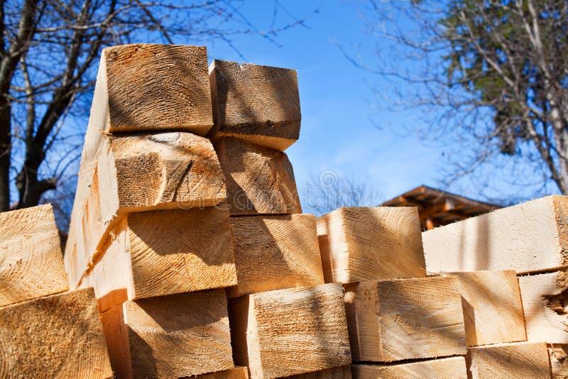 Pilha da madeira serrada fotos de stock royalty free