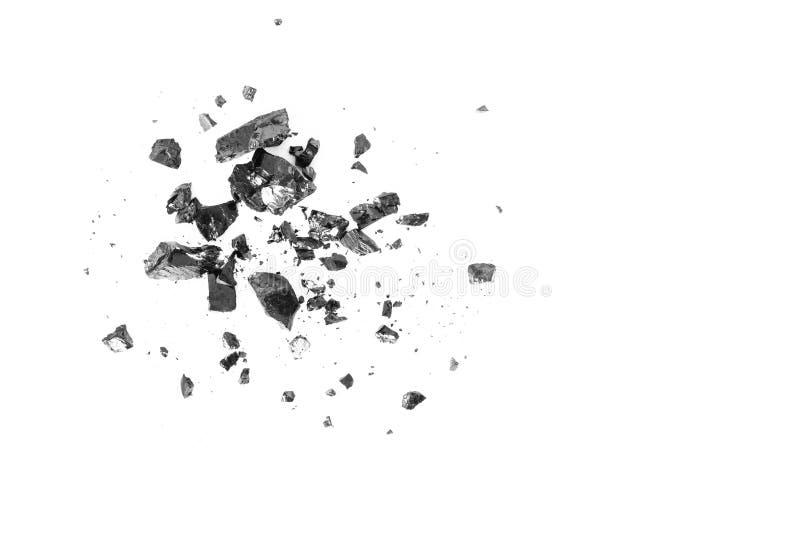 Pilha das barras pretas de carvão isoladas no fundo branco foto de stock royalty free