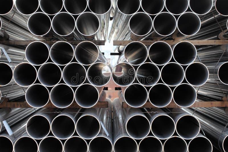 Pilha das tubulações de aço imagens de stock royalty free