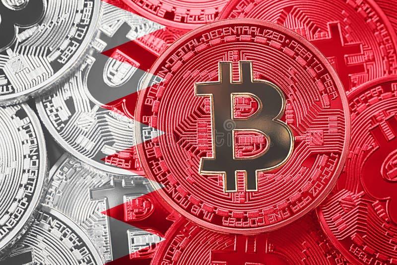 Pilha de bandeira de Bitcoin Barém Conceito dos cryptocurrencies de Bitcoin imagem de stock royalty free
