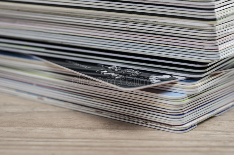 Pilha de cartões de crédito fotografia de stock royalty free