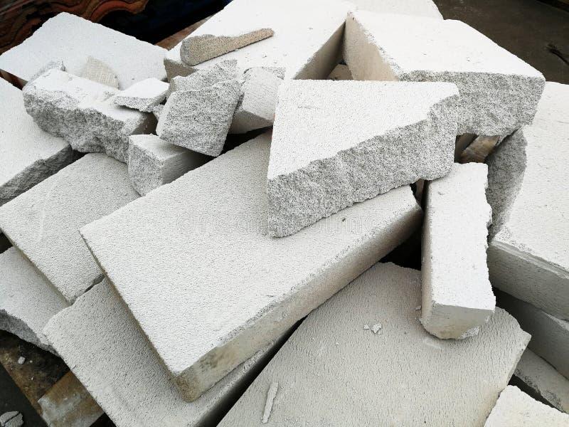 Pilha de concreto ventilado esterilizado quebrado para o fundo imagens de stock royalty free