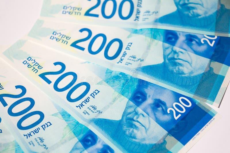 Pilha de contas de dinheiro israelitas 200 do shekel - vista superior foto de stock royalty free