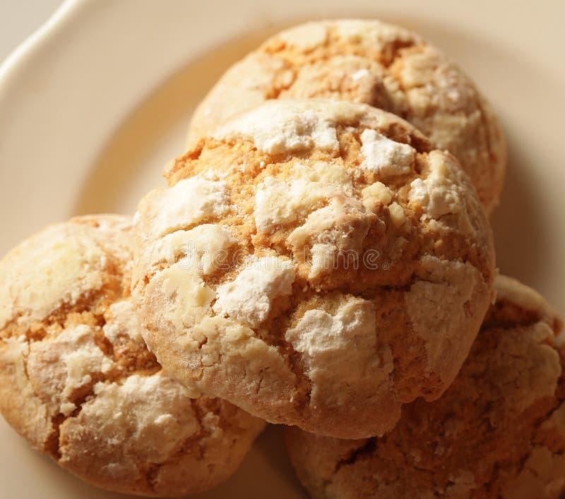 Pilha de cookies da microplaqueta da maçã imagens de stock