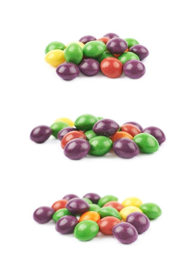 Pilha de doces de mastigação coloridos imagem de stock