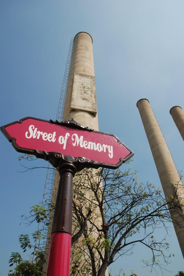 pilha de emissão no moinho do cimento fotografia de stock royalty free