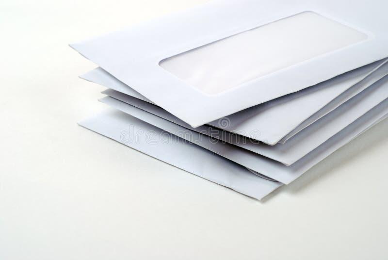 Pilha de envelopes fotografia de stock royalty free