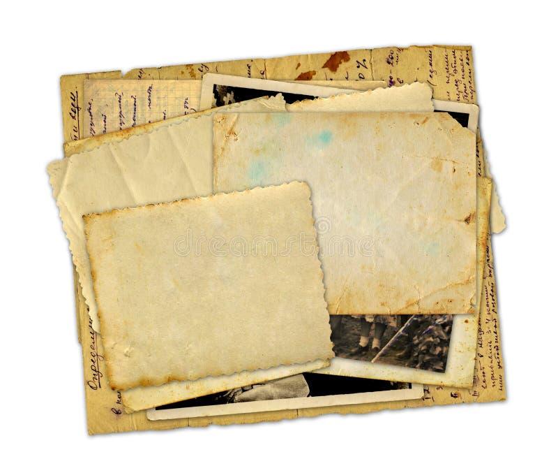 Pilha de fotos e de letras velhas fotografia de stock