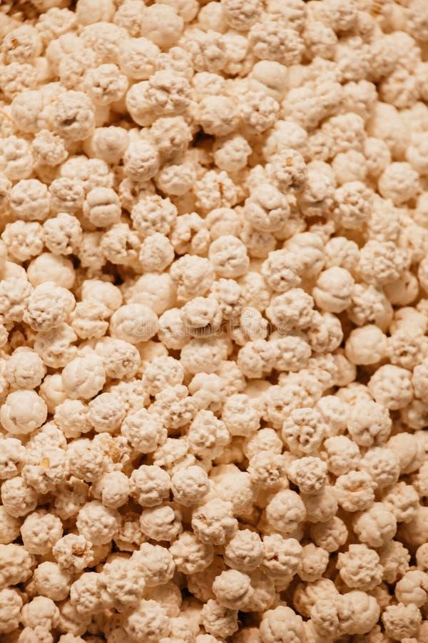 Pilha de grãos-de-bico cobertos de açúcar do estilo turco fotos de stock royalty free
