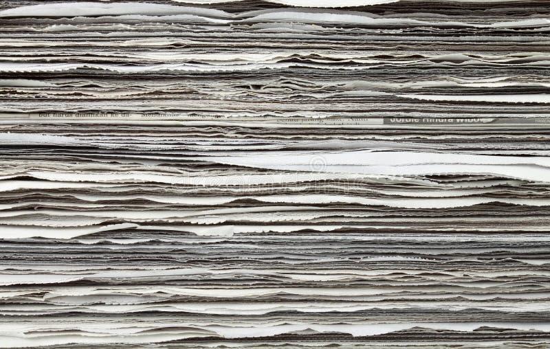 Pilha de jornal para o fundo fotografia de stock