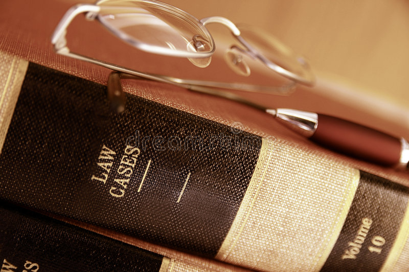 Pilha de livro da lei fotos de stock