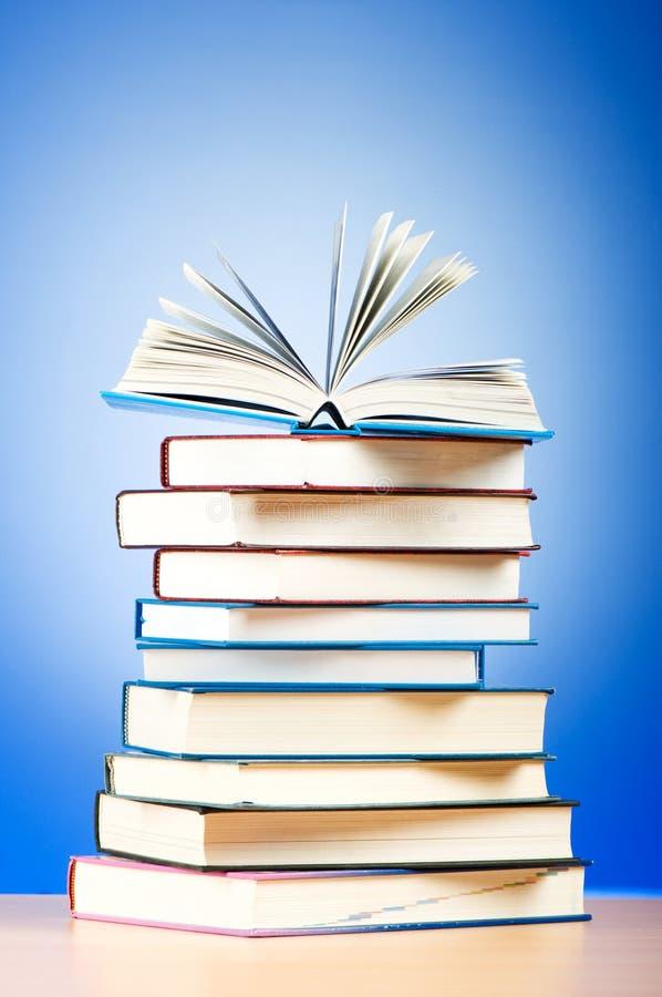 Pilha de livros de texto fotos de stock royalty free