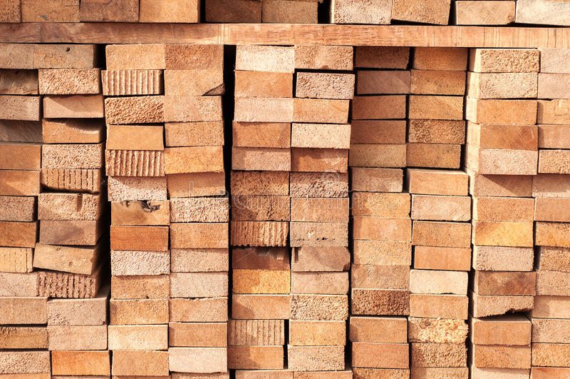 Pilha de madeira serrada imagem de stock royalty free