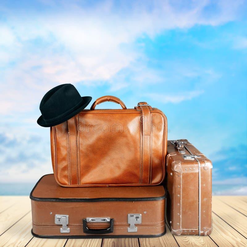 Pilha de malas de viagem velhas Conceito de viagem foto de stock royalty free