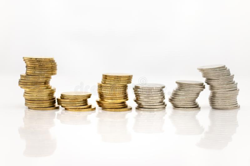 Pilha de moedas Uso da imagem para o conceito do neg?cio, crescimento de lucro pelos muitos tempos fotografia de stock