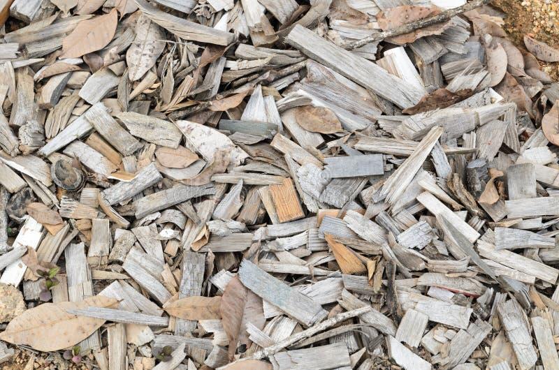 Pilha de partes pequenas de madeira da sucata imagem de stock royalty free