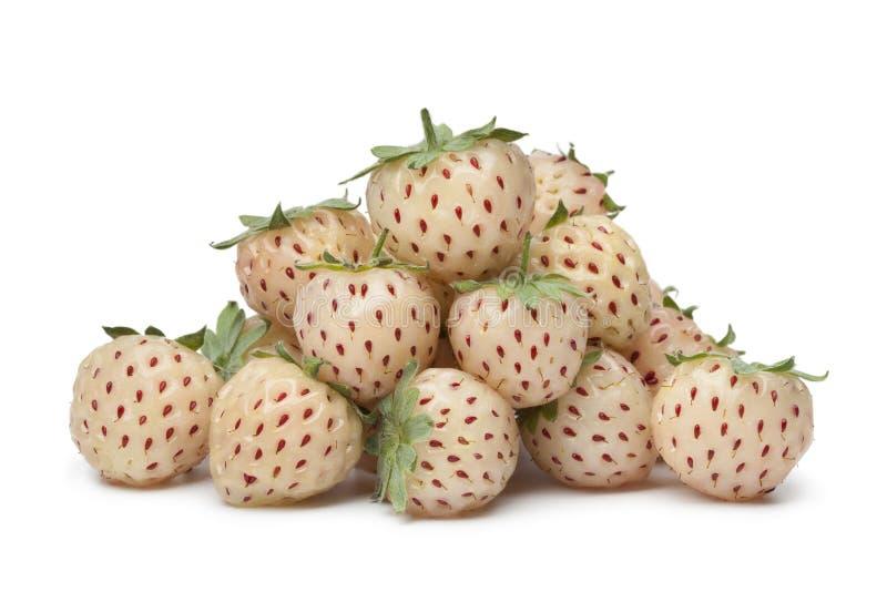 Pilha de pineberries frescos imagens de stock