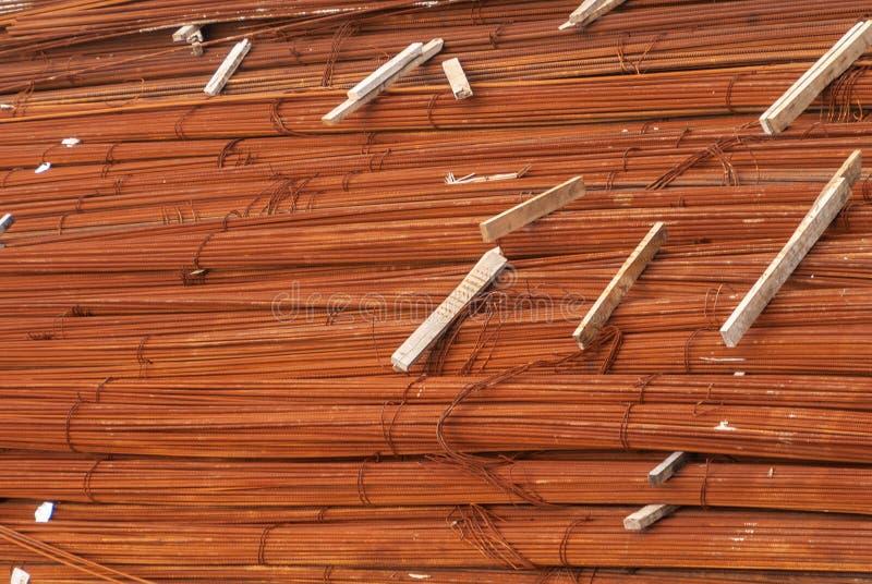 Pilha de rebars oxidados no canteiro de obras em Hong Kong Island, China foto de stock
