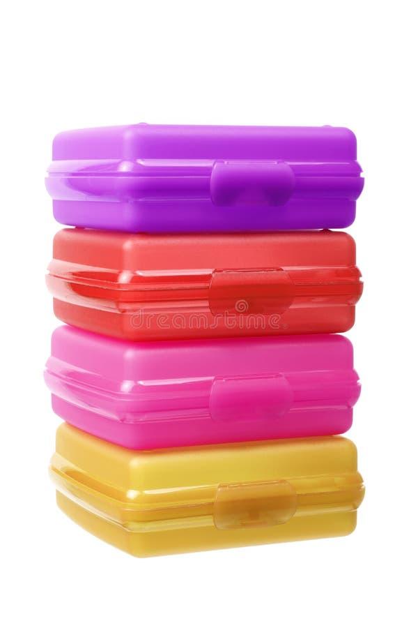 Pilha de recipientes plásticos imagem de stock royalty free