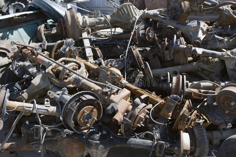 Pilha de Rusty Car Parts fotos de stock