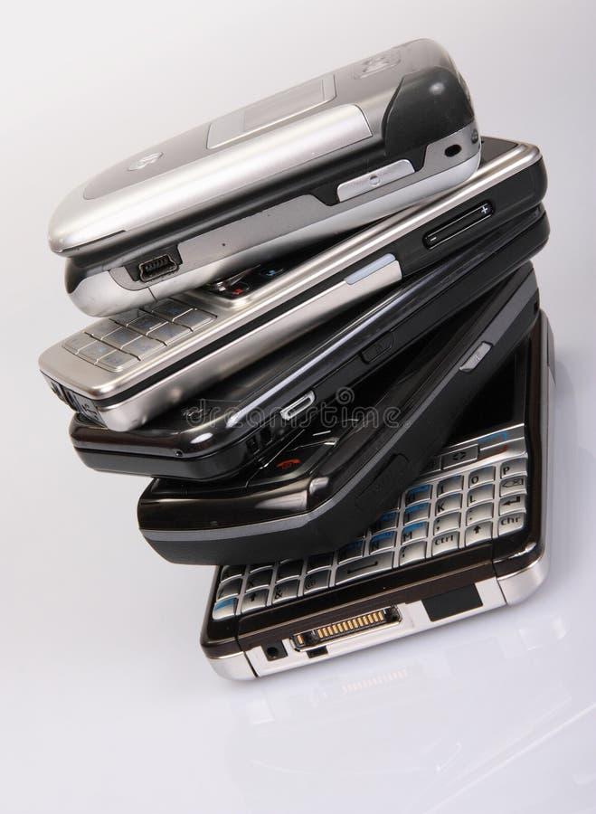Pilha de telefones móveis imagem de stock